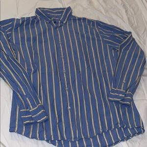 5/$20 Men's American Eagle button down shirt